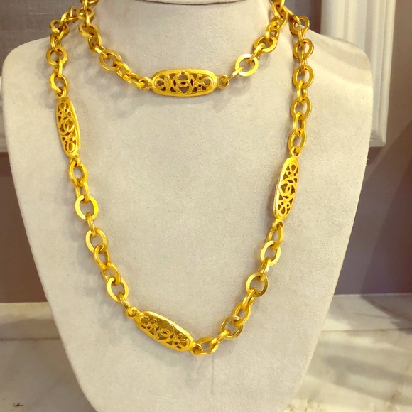 CHANEL Jewelry - Authentic Vintage Chanel Oval link Chain